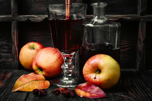 Sangria cocktail à la pomme