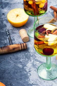 Sangria traditionnelle de boissons d'été
