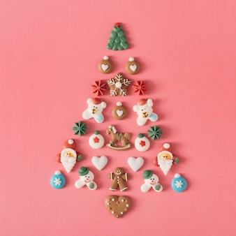 Sapin de noël avec décoration de bonbons et biscuits