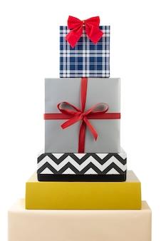 Sapin De Noël Fait Avec Des Coffrets Cadeaux. Photo Premium