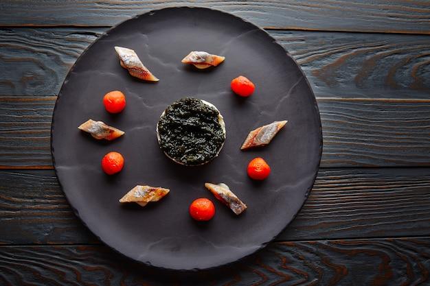 Sardine à la pannacotta et à la tomate