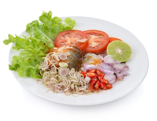 Sardines épicées à la sauce tomate poisson en conserve