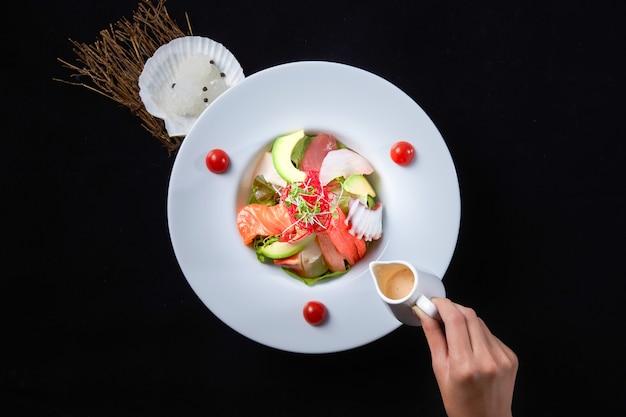 Sashimi à la vinaigrette au soja au gingembre et à la kaisen
