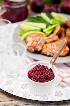 Sauce aux canneberges et aux oignons rouges