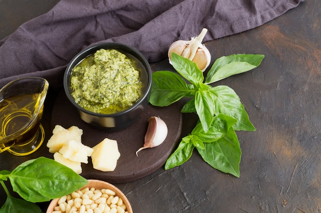Sauce pesto italienne traditionnelle