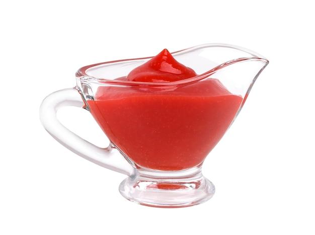 Sauce tomate dans un bol en verre