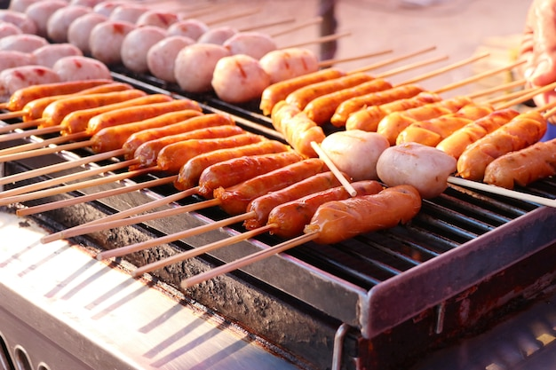Saucisses barbecue à la nourriture de rue