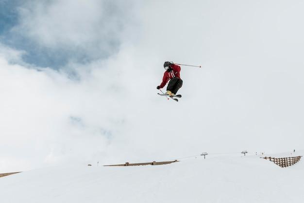 Saut de skieur long shot
