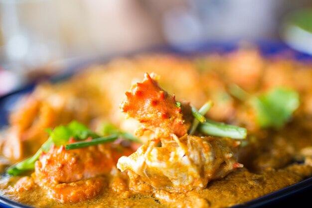 Sauté à l'ail, crabe royal de l'alaska