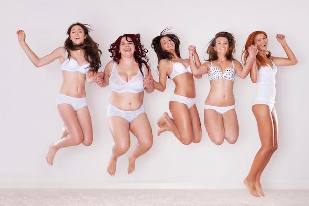 Sauter! nous aimons notre corps!