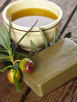Savon d'alep et olives