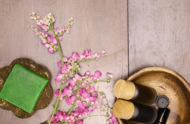 Savon aux herbes et extrait d'aromathérapie