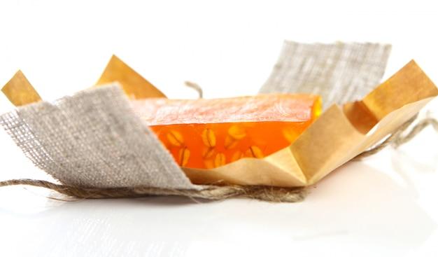 Savon naturel avec emballage