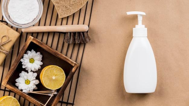 Savon de produits de nettoyage écologique fait maison