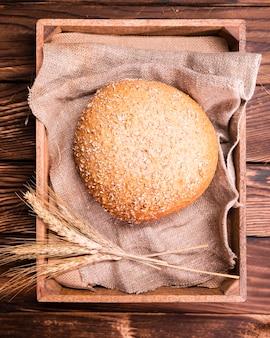 Savoureux pain maison aux graines et au blé