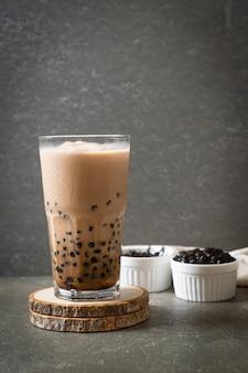Savoureux thé au lait à bulles ou thé boba