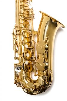 Saxophone jazz instrument isolé