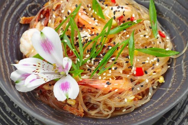 Scampi de crevettes aux spaghettis