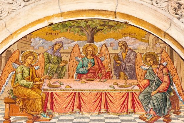 Scène biblique peinte sur le mur du monastère de sinaia en roumanie