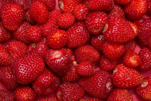 Scène de fraises fraîchement récoltées, juste au-dessus