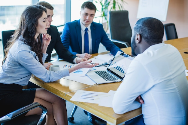 Scène de réunion d'affaires