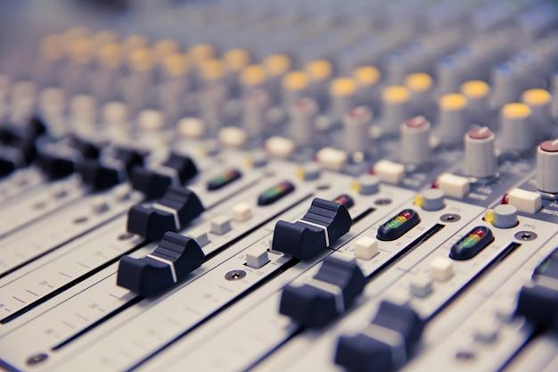 Schéma de contrôle du volume sur le mixeur audio professionnel.