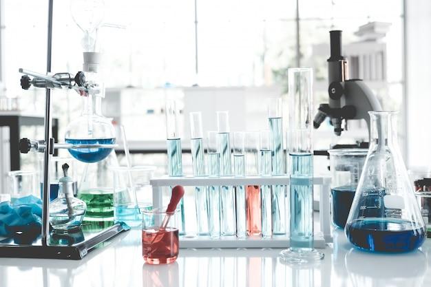 Science instruments dans la salle de laboratoire. concept de recherche scientifique.