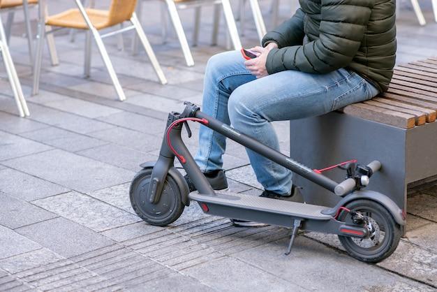 Les scooters électriques sont devenus un moyen de transport individuel rapide et écologique