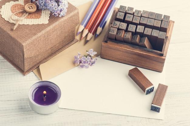 Scrapbooking décoration bricolage, timbres, coffret cadeau