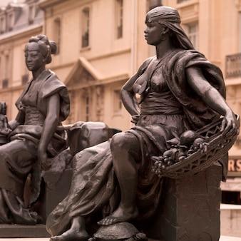 Sculpture exposée à paris france