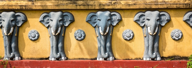 Sculptures d'éléphants, temple de bouddha, animal sacré