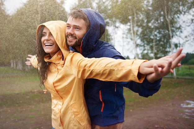 Se sentir libre sous la pluie