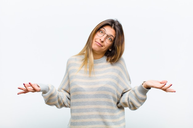 Se sentir perplexe et confus, incertain de la bonne réponse ou décision, essayer de faire un choix