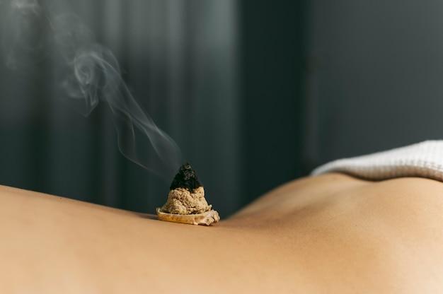 Séance d'aromathérapie en gros plan