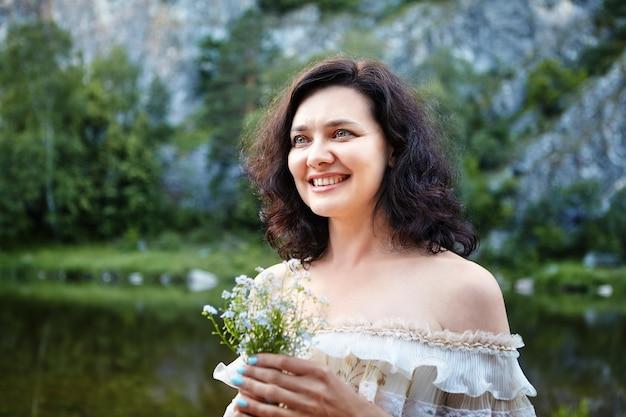 Séance photo pour la mariée sur la faune.