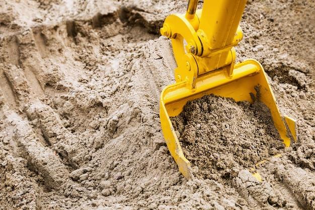 Seau de construction, tracteur, excavatrice, niveleuse, etc.