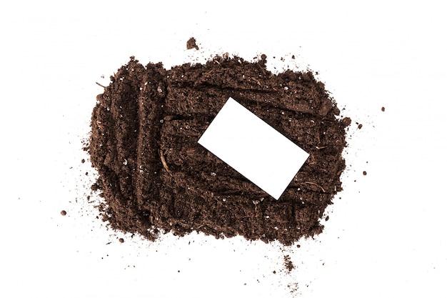 Section de sol ou de terre isolée sur fond blanc