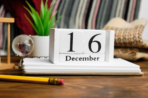 Seizième jour du calendrier du mois d'hiver décembre.