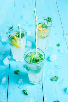 Sélection de cocktails rafraîchissants d'été