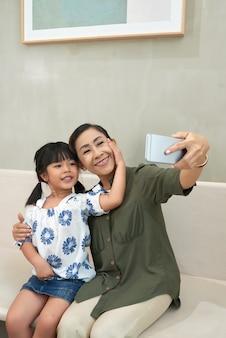 Selfie avec petite-fille