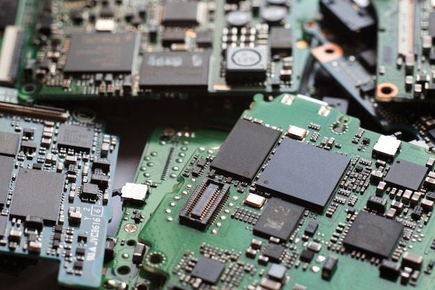 Semi-conducteur dans la carte de circuit imprimé, arrière-plan de technologie,