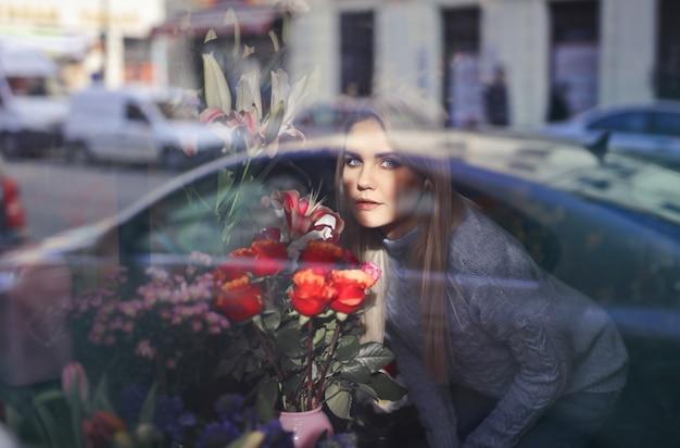 Sentant les belles fleurs