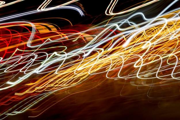 Sentiers de lumière de nuit abstraites.