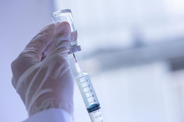 Seringue, injection médicale, flacon,