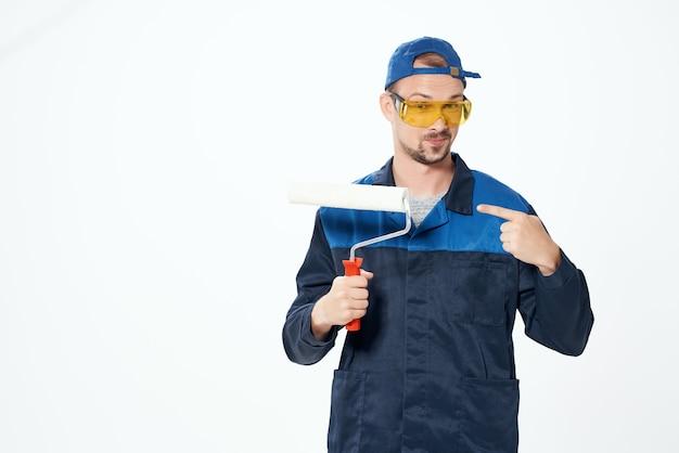 Service d'emploi professionnel de la construction de peintre masculin
