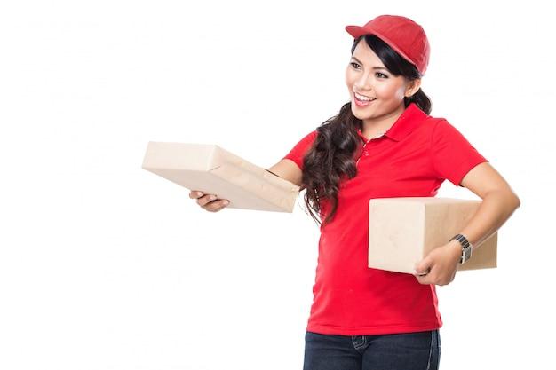 Service de livraison avec plaisir livrer le colis au client