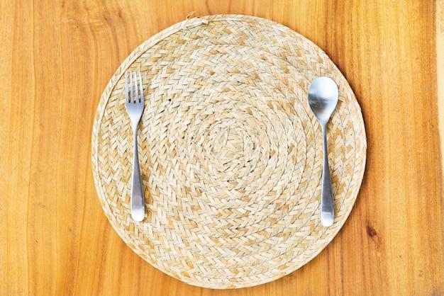 Serviette table paille fourchette fourchette