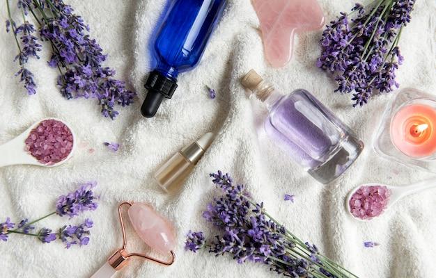 Serviettes et rouleaux pour le visage aux huiles essentielles de lavande spa