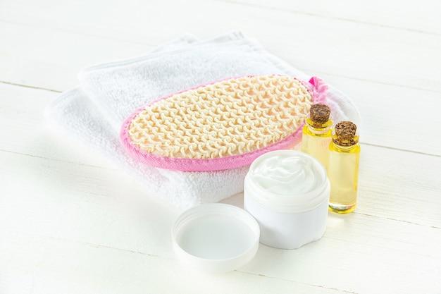Serviettes de spa, pierre et huiles