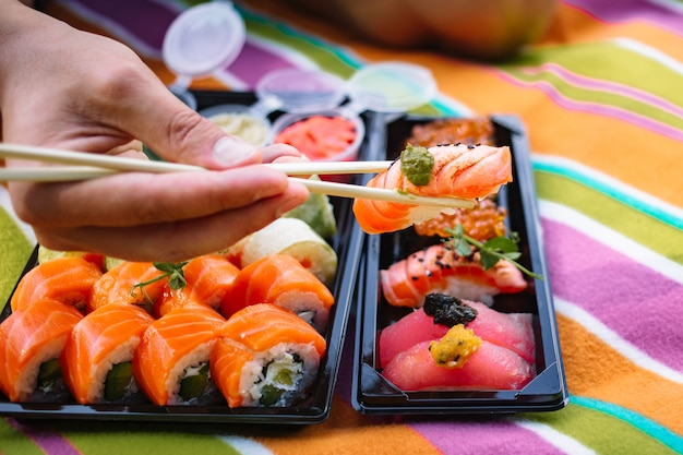 Set de sushi gros plan